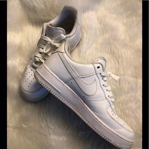 Nike Air Force 1 Mens 7.5 women's 9 EUC